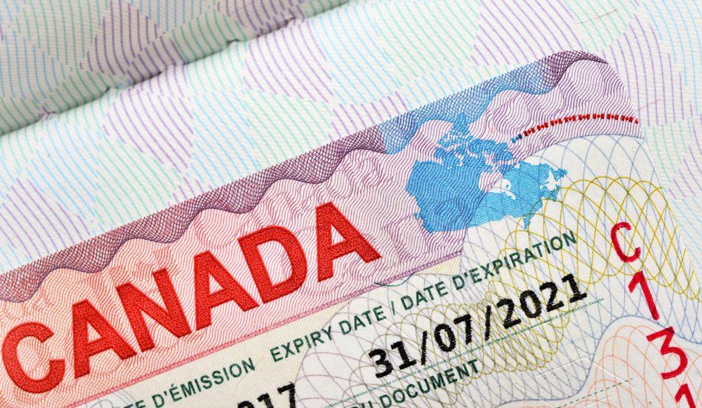 加拿大移民部超收签证费2亿 涉数十万中国人